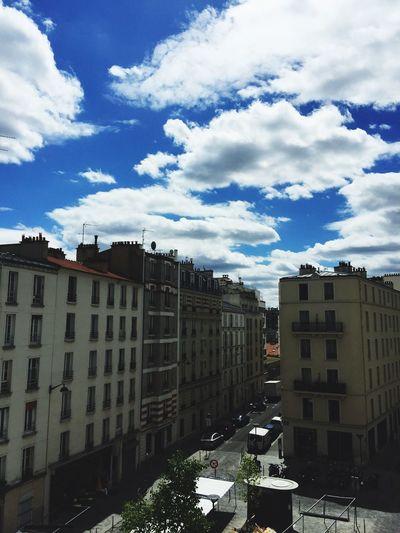 Bleu sky Paris
