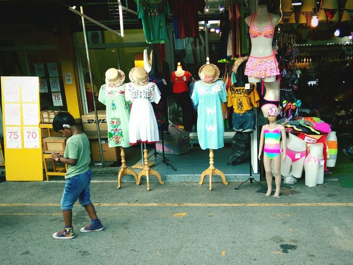 Bangkok Streetphoto_color Streetphotography Streetphoto Street Photography Jjmarket Boy Girl Child