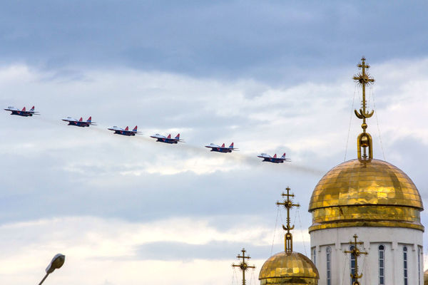 Aircraft Combat Aircraft Demonstration Performances Airshow Architecture Cloud - Sky Dome Flying No People Outdoors Place Of Worship Religion Sky Spirituality стрижи