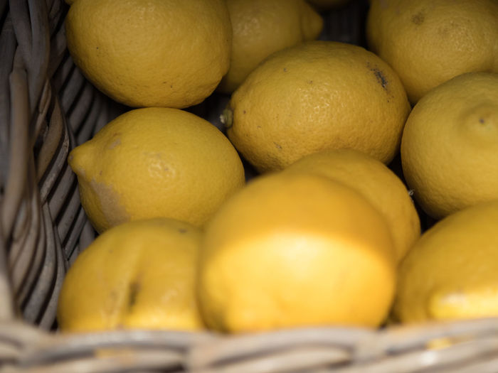Citron Lemon Food And Drink Food Fruit Healthy Eating Freshness Citrus Fruit Yellow Close-up Wellbeing No People Still Life Container Large Group Of Objects Basket Indoors  Market Retail  Day Abundance Orange Ripe