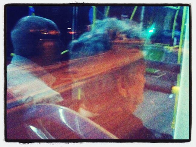 Voluntad son castillos en el suelo - Mala On The Bus