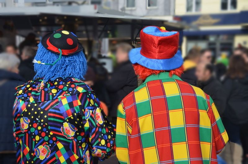 Carnival Crowds And Details Farbenfroh Coloursplash Two People Focus On Foreground Arts Culture And Entertainment Outdoors Carneval Coulorful World Jackets Jacke Karneval Berlin Photography Kunterbunt Clowns Clown Best Friends Best EyeEm Shot Clothes The Street Photographer - 2017 EyeEm Awards Neon Life