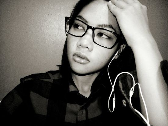 When you're tired of thinking.. 😁😆😉 Portrait Eyeglasses  Young Women Studio Shot Headshot Beautiful Woman Women Close-up Thinking Pretty Depression - Sadness Beautiful Plain Background Relaxing Moments Tensed