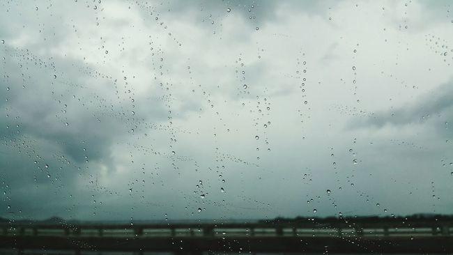 Raindrops.Rain Drop Nature Rainy Season Storm Cloud Beauty In Nature RainDrop Window View Drizzling Nofilter