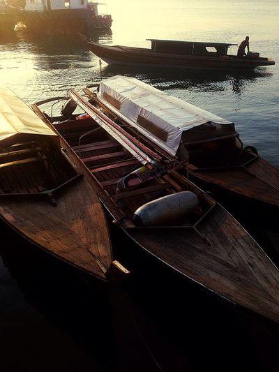 Starting A Trip Going Sailing Enjoying The Sun Darkness And Light Boat Pancung Wonderfulkepri
