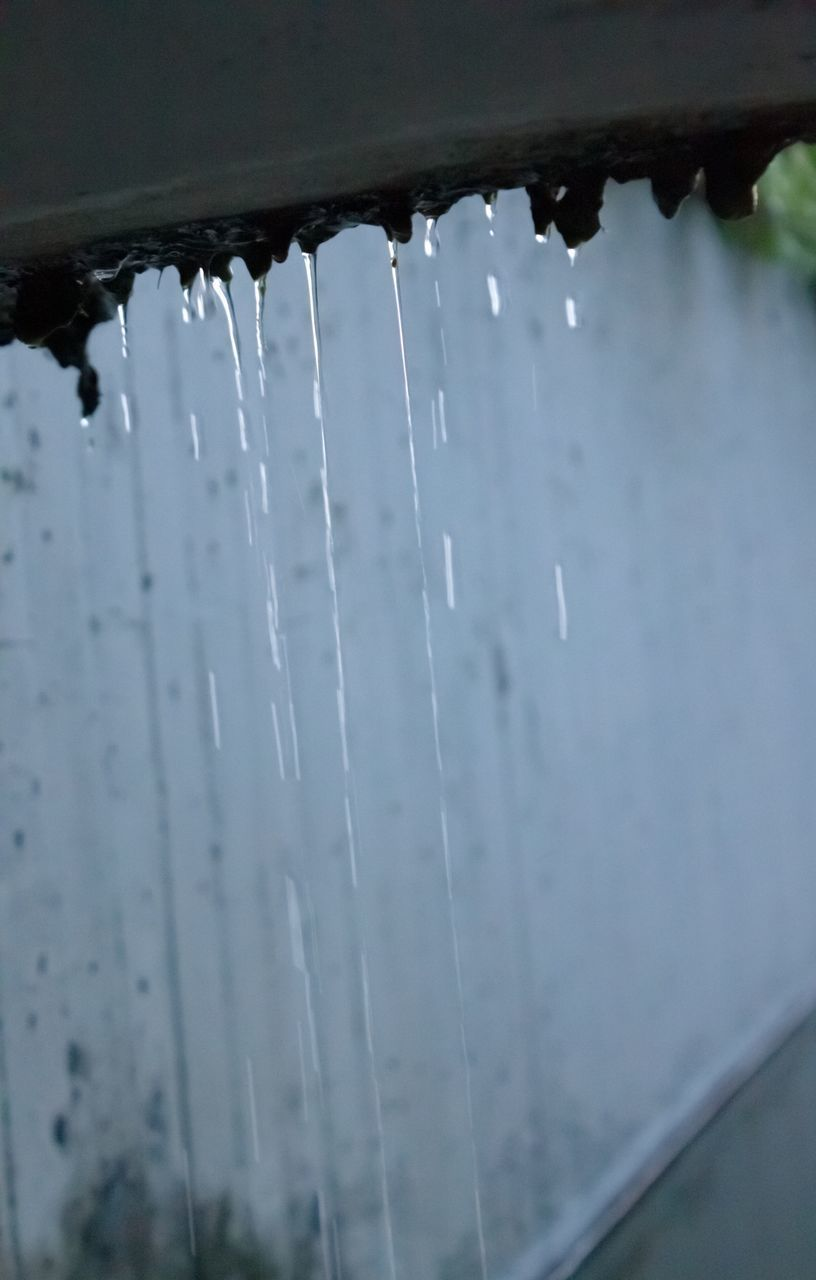 water, drop, close-up, no people, motion, nature, focus on foreground, day, wet, selective focus, outdoors, architecture, flowing water, falling, splashing, detail, beauty in nature, built structure, rain, raindrop, purity, flowing, icicle, rainy season, running water