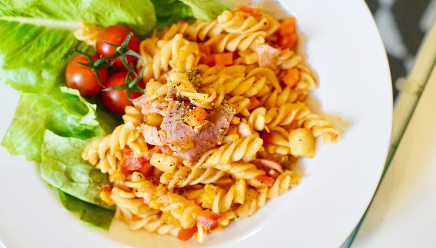 Top view Ham Spaghetti Food Freshness Plate Food And Drink Ready-to-eat Healthy Eating Wellbeing Tomato Indoors  Close-up Vegetable Serving Size High Angle View Still Life No People Meal Focus On Foreground Fruit Rice - Food Staple Pasta