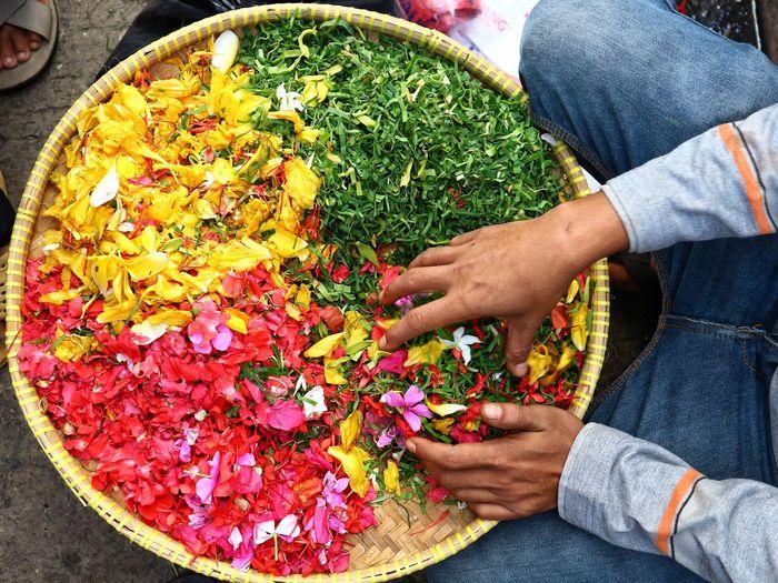 flower selling