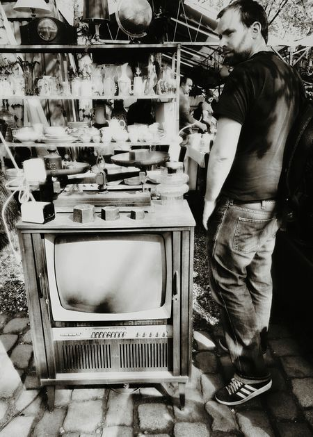 At the flea market: Fell in love with that old TV set♥ Bw_collection Light And Shadow Streetphotography Portrait