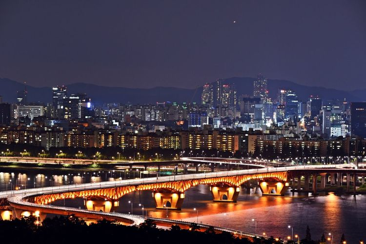"""night line of Seoul"" Built Structure Capital Cities  City City Life Cityscape Illuminated Light Modern Night River Sky Han River Han River Bridge Sung Su Bridge Eyeem Night Scape EyeEm Best Shots - Landscape Trace Of Lights EyeEm Nature Collection Sky Collection Clouds And Sky Skylover Lookingup Eyeem Night Scape Nikon D750 Nikon_photography Nikon Photographer in Seoul South Korea🇰🇷"