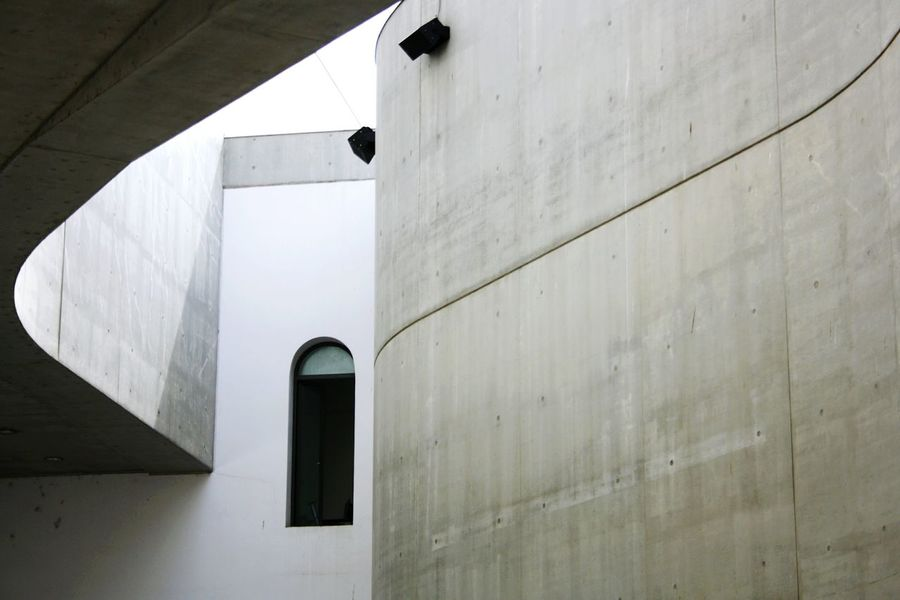 No People Architecture Day Outdoors Maxxi Museum Art Light Rome Low Angle View Arts Culture And Entertainment MAXXI MAXXI Roma MAXXI Museum Rome Italy Futuristic Modern Built Structure Architecture Curve