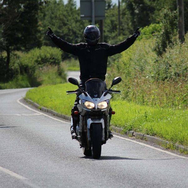 Riding Skill  Lifestyles Motorcycle Yamaha Fazer Outdoors Day Empty Road Leisure Activity Men Arai Funtime Transportation Transportation Rear View Full Length Casual Clothing Lifestyles Leisure Activity Men Riding Skill  The Way Forward Day