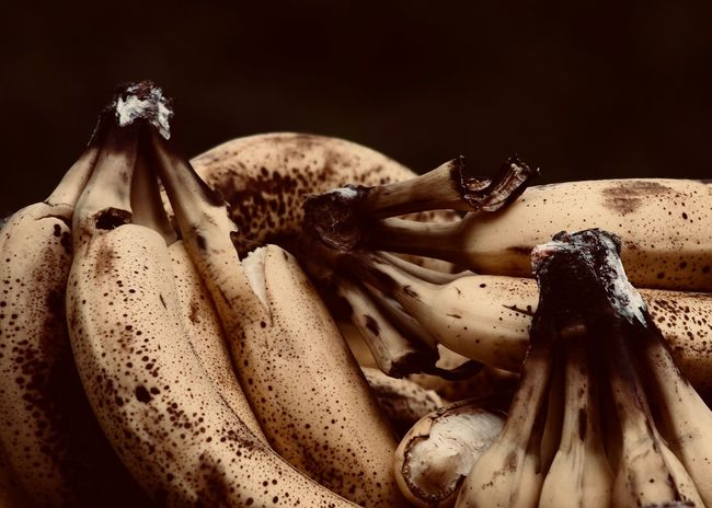 Ripe Bananas Studio Shot High Angle View Banana Selective Focus Vegetable Still Life Close-up Food And Drink Food Healthy Eating Wellbeing Fruit Nature Ripe Banana Bananas Copy Space Backgrounds Warm Colors Veggies Vitamin