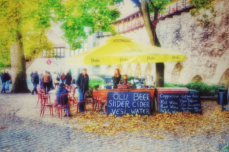 Beer cider water Hanging Out People Watching Tallinn Estonia Baltic G7x October2015 Steetphotography Sunshine Medieval Architecture