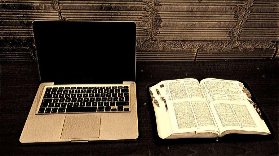 Biblia y Mac