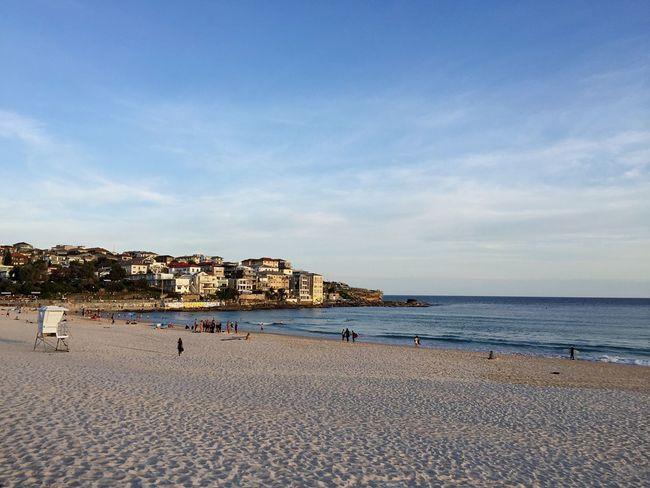 Bondi Bondibeach Sydney Ocean Sea Sand Water Sunset Lifeguards Evening Light