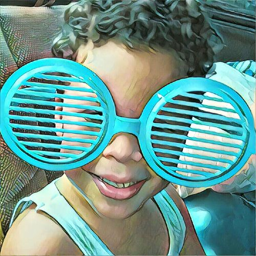 Person Smiling Portrait Looking At Camera Elementary Age Front View Day Photo Picture Eyeem Photography Photography EyeEm Gallery Eyeemphotography EyeEm Taking Photos Photographer Kanyn Puerto Rico Puertorico Photo Eyeem Photography Kid Child Children Big Sunglasses Happy