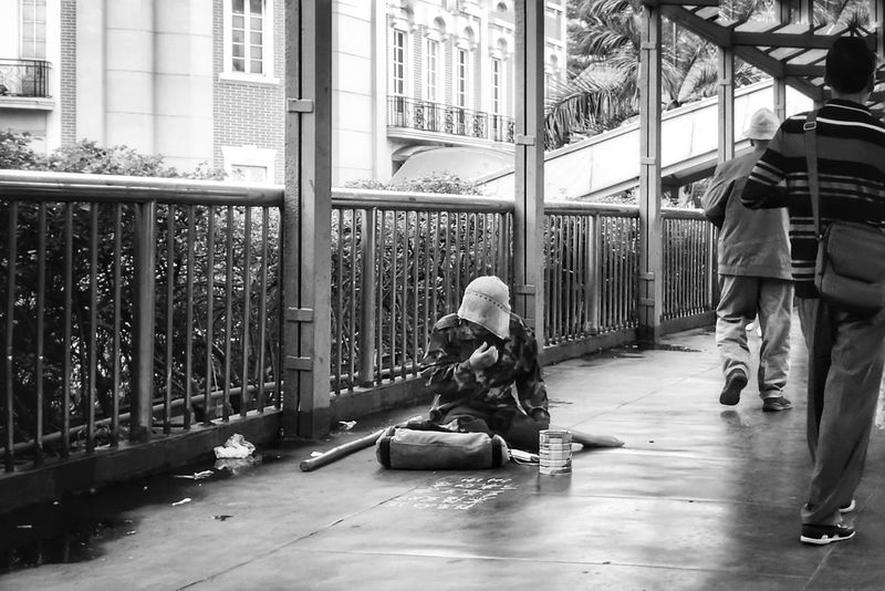 EyeEmNewHere People Poorpeople Life Streetphotography Blackandwhite Blackandwhite Photography Streetphoto_bw Men Poorman Living Life Making Living Helplessness From Where I Stand Foshan,China Adult City Only Men Begging For Money Beggingphotography The Street Photographer - 2017 EyeEm Awards