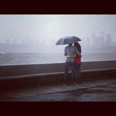 Romantic couples on romantic place enjoying monsoon season...at marin lines(Mumbai) Picoftheday Enjoy Photography Marinlines Very Romantic Couples Just Click Instalover Swang Both Are  Looking Awesome Nikon Coolpix L29 Mumbaiinclicks Mumbaiman Tysm