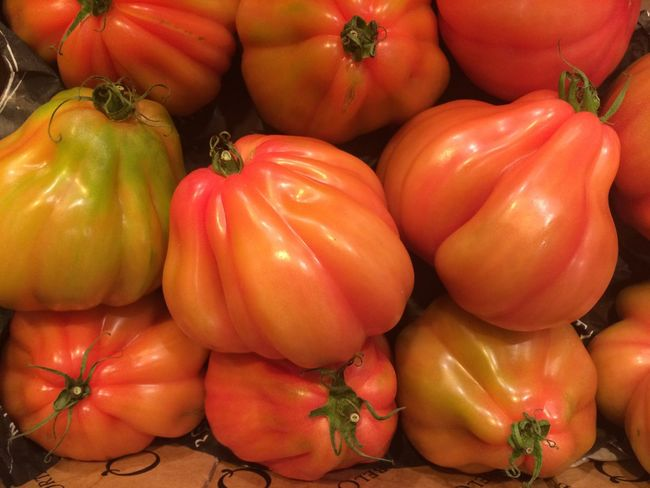 Tomatoes Coeur De Beuf Ochsenherz Ochsenherztomate Red Vegetables Fresh Food Foodporn Foodphotography Foodie