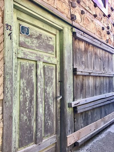 İbradı Güncesi-Fsn® Vintage Oldstyle Voyager Gezgin Seyyah Düğmelievler Woodenhouse Wood - Material Door Outdoors Architecture Built Structure No People Building Exterior Close-up Day