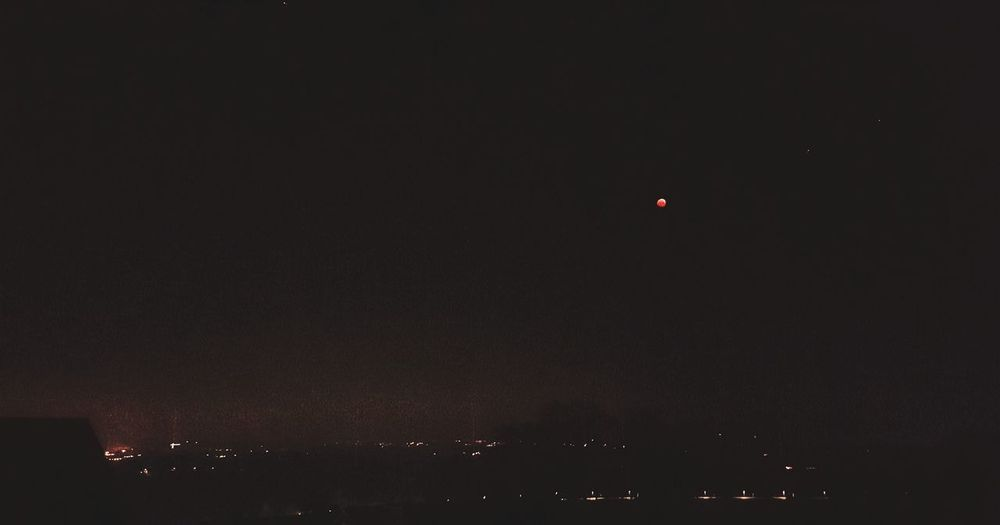bloodmoon Bloodmoon Bloodmoon2019 Morning EyeEm Best Shots Mobilephotography Scenics View EyeEm EyeEmNewHere Beautiful Calmness Calmness Of Nature Minimalism Ambiance Ambient Light Astronomy Mid-air Sky Moon Planetary Moon Moonlight Sky Only Full Moon