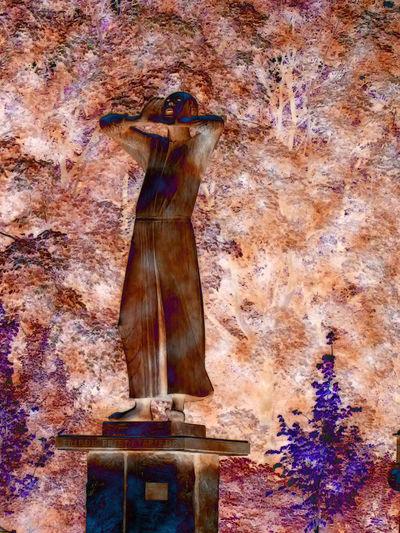 Der Rufer - the crier - Bronze statue facing the Brandenburg Tor Berlin Berlin Der Rufer Architecture Bronze Statue Built Structure Low Angle View Sculpture Statue The Crier Travel Destinations