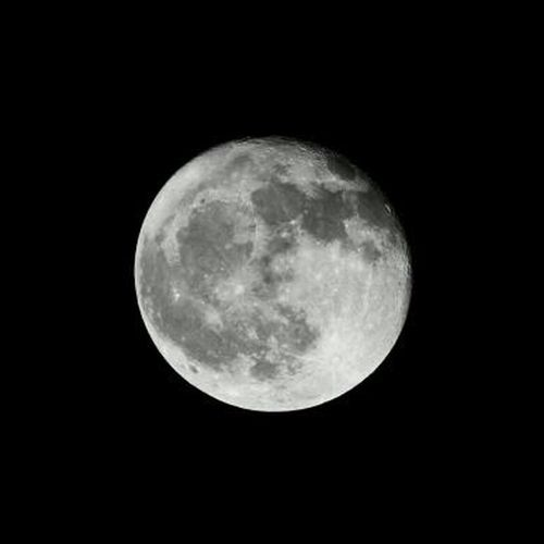 The moon yesterday. Canon 60D.