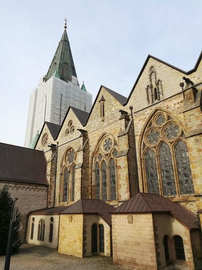 Paderborn Domplatz Domplace Hoher Dom Zu Paderborn Kirchturm Sandstein Monument Renovierung January January 2018 Architecture Building Exterior History Built Structure Travel Destinations Façade Palace Religion Outdoors Day Place Of Worship Clock Tower City Ancient Civilization