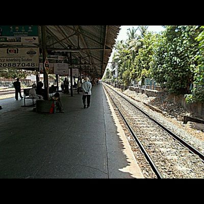 Perfect perspective... Picoftheday Photography Nikon_coolpixl29 Kariroad_station Mumbai Local Mumbaiman Instalover Instaupload Loveit Cheapcamerachallenge Instamumbai Ty