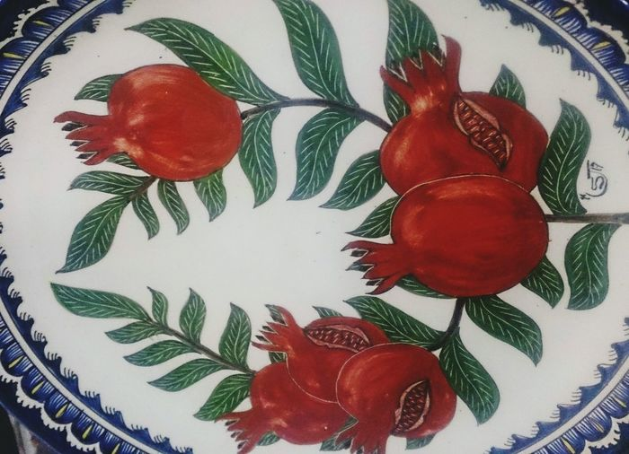 Гранатовая тарелка. арт  фрукты Art Fruit Indoors  No People Day