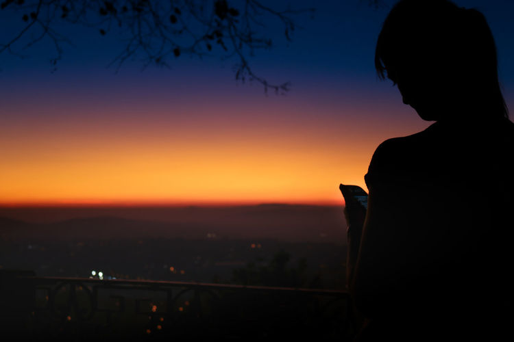 Sunset Silhouette One Woman Only One Person Only Women People Beauty City Outdoors Women Night Cityscape Sky Cityview Cityview🌇 Sunset Silhouettes Sunset_collection Sunset Lovers Sunsetporn Sunsetlover Perspectivechaser