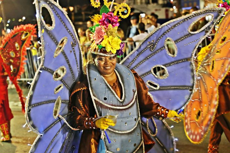 Arts Culture And Entertainment Traditional Clothing One Person Representation Front View Real People Clothing Costume Art And Craft Performance Celebration Creativity Dancing Carnival - Celebration Event Festival Traditional Dancing Multi Colored Carnival Karnaval Curacao 2019 Karnaval Curacao