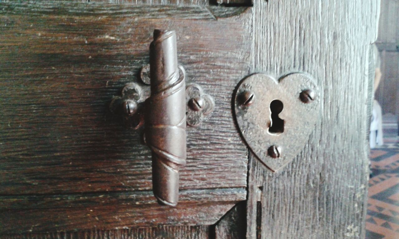 wood - material, metal, close-up, no people, day, outdoors, weapon, latch