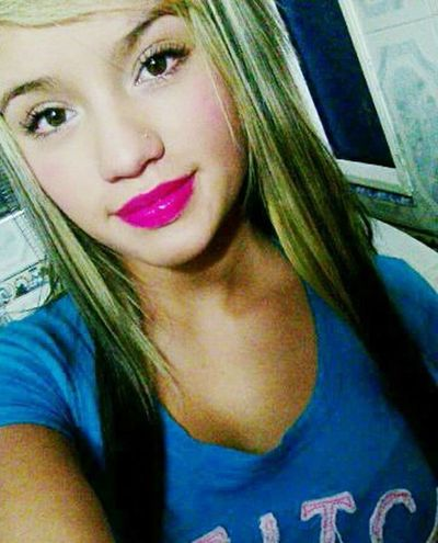 Red Lips Lips #love #smile #pink #cute #pretty Beautiful Sexygirl Love ♥ Mujereslindas Sonrisa Sexylips Hermosa Taking Photos