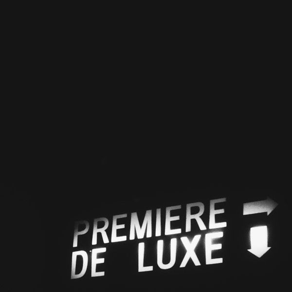 D I S T I N C T I O N ? ? Moviehouse Cinema Bw