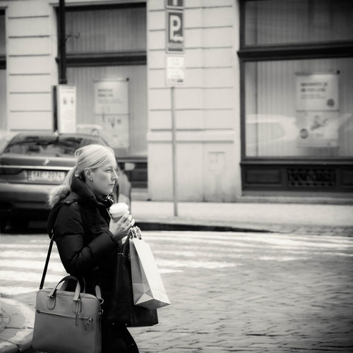 Black & White Black And White Blackandwhite Blackandwhite Photography Casual Clothing City Life Day Everybodystreet Eye4photography  EyeEm Best Shots EyeEmBestPics Leisure Activity Lifestyles Malephotographerofthemonth Nikon Nikonphotography People People Photography People Watching Peoplephotography Street Street Photography Streetphotography Taking Photos Taking Pictures