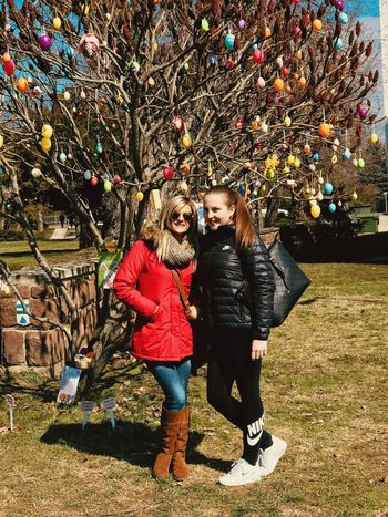 Young Women Full Length Togetherness Happiness Smiling Tree Men Couple - Relationship Portrait Women
