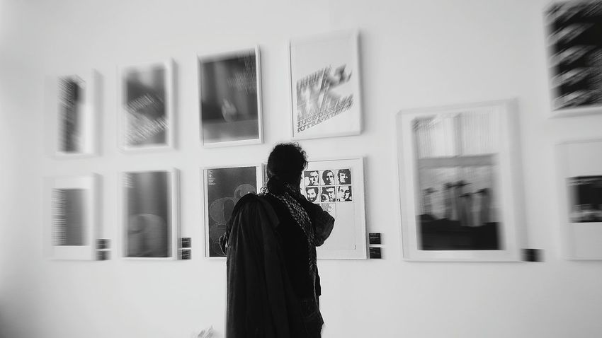 In The Museum Black And White Black And White Photography Blur Passtime Enjoying Life Inside Gallery