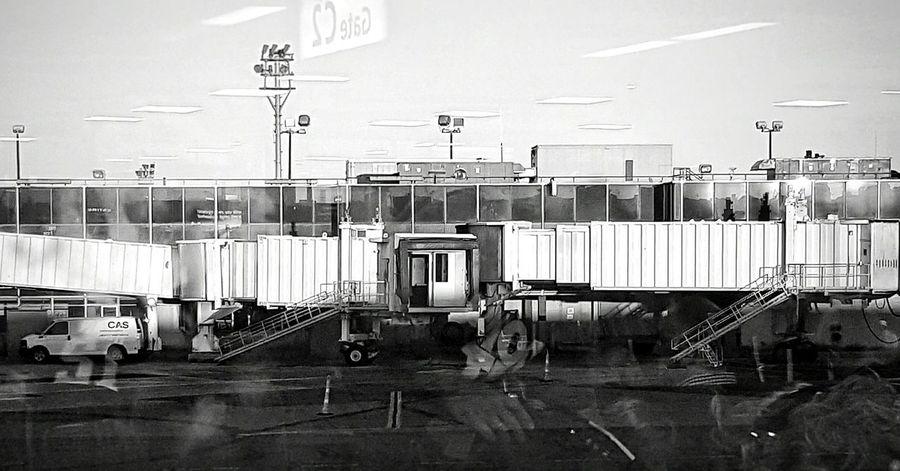 Terminal La Guardia Blandwhite Standing Options Boarding