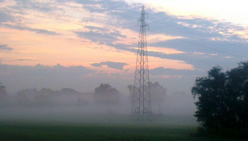 Pianura padana, Emilia Romagna, italy... mattino di agosto con la nostra famosa nebbia igp! Sunrise with famous igp fog! Good Morning! Clouds And Sky Foto By Ulk