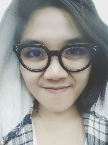 it's me Chie Eyeglasses  Front View Human Face Pink Lipstick  Lip Gloss