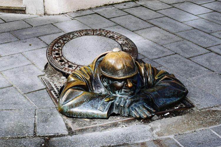 Man at Work | Bratislava Bratislava, Slovakia Human Representation Sculpture Street Statue Icon High Angle View Outdoors Sidewalk Close-up Bronce The Week On EyeEem EyeEmNewHere Travel Destinations EyeEm Day Man At Work Cumil EyeEm Selects Investing In Quality Of Life Be. Ready. Stories From The City Visual Creativity My Best Travel Photo