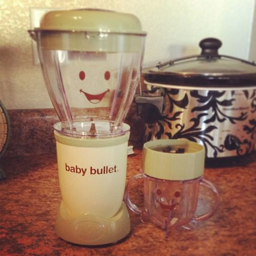 Holy crap! I can't believe it's already time to bust out the baby bullet! My little girl is already on solids.... Ahhhhha! Babybullet Baby Food Nopreservatives health eatright