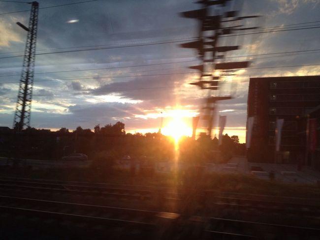 43 Golden Moments Letzte Sonnenstrahlen Sunset Train Golden Hour