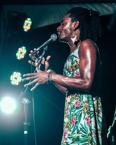 Liniker MPB Music Musica Brasil Samba Reconecta Gig Singer  Brazil Vocal Sing Músicabrasileira Vitoria Ig Ig_es Ig_vitoria Igers Espiritosantowalk Pedradacebola