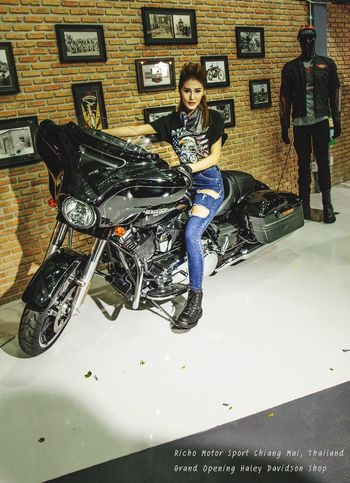Pretty Woman Motorcycles Motor Show Haley Davidson Portrait Eye4photography