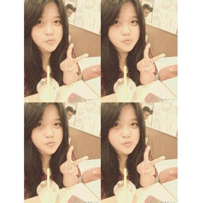 Me (〃∇〃) Me Selca TakeAPhoto Takeaselca today nice shoot smile peace simple pages red long black hair at KFC mocca float indonesian instapict instadaily instagram tags4love likeme followme