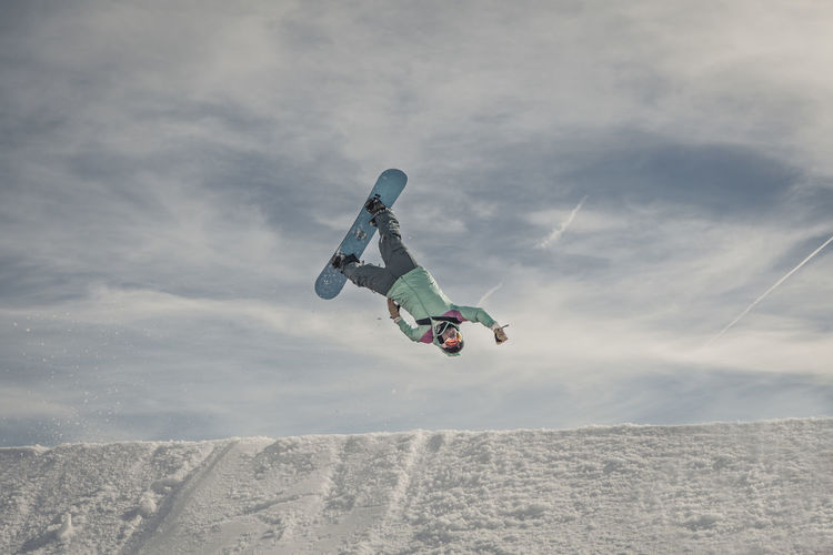 Mountains Snowboarding Backflip Superman Airtime Laax Eye4photography  Getting Creative The Action Photographer - 2015 EyeEm Awards Going The Distance Adrenaline Junkie My Winter Favorites Adventure Club People And Places Snow Sports