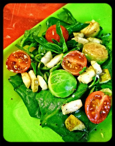 Warm Salad, Spinach + Pear + Brusselsprout